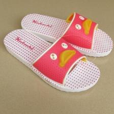 新款卡通拖鞋女夏季木地板女士拖鞋户外浴室防滑吹气厚底家居凉拖沙滩拖鞋